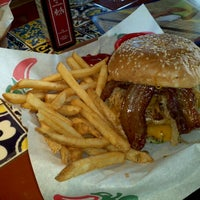 Photo taken at Chili's Grill & Bar by Yoeau S. on 10/20/2011