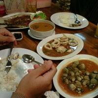 Photo taken at Lumba Lumba Seafood Garden by Arif MRb B. on 10/15/2011