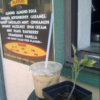 Photo taken at Expresso Drive Thru Cafe by Walter P. on 7/2/2012