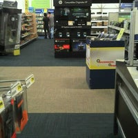 Photo taken at Best Buy by César on 9/10/2012