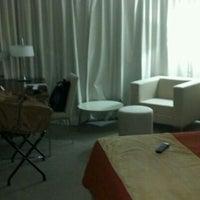 Photo taken at Howard Johnson Hotel La Cañada by Hernán M. on 2/16/2012