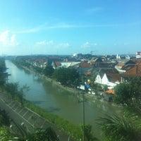 Photo taken at Pusat Grosir Jembatan Merah Plasa (JMP) by Amras I. on 4/30/2013