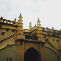 Photo taken at Abdul Gaffoor Mosque by Amna A. on 5/16/2015