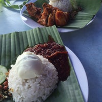 Photo taken at Nasi Lemak Saleha@Kampung Pandan by iematul r. on 8/7/2016