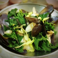 Photo taken at Je Liep Seafood by Worawut C. on 4/12/2013