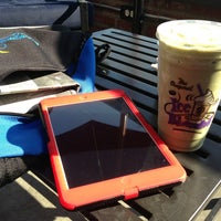 Photo taken at The Coffee Bean & Tea Leaf® by R C. on 8/8/2014