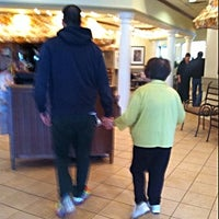 Photo taken at Olive Garden by Nick F. on 5/9/2014