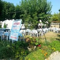 Photo taken at Ο Νάστας by Bettina on 8/11/2014