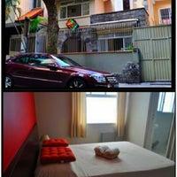Photo taken at Che Lagarto Suites Copacabana by Juninho Cavalcante on 2/28/2013