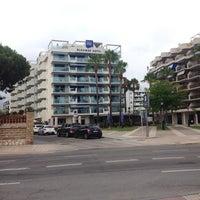 Photo taken at Hotel Blaumar by Denis L. on 8/1/2014