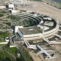 Photo taken at Rio de Janeiro–Galeão International Airport (GIG) by Lula B. on 7/17/2013