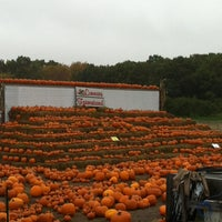 Photo taken at Connors Farm by Yui K. on 10/10/2012