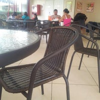 Photo taken at PizzaPizza by Flavio A. on 1/20/2013