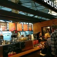 Photo taken at Starbucks by Gary Q. on 11/7/2016