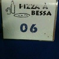 Photo taken at Pizza à Bessa by Breiner S. on 2/1/2013