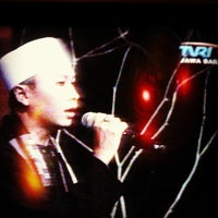 Photo taken at TVRI Jawa Barat & Banten by tellyourfriends on 9/22/2012