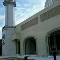 Photo taken at Mesjid Al Mujahidin by Dani R. on 8/7/2013