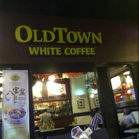 Photo taken at OldTown White Coffee by Oliver A. on 1/29/2013