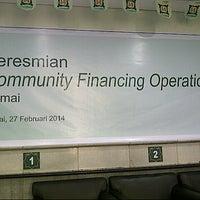 Photo taken at Bank Syariah Mandiri by Evi Z. on 2/27/2014