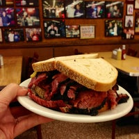 Photo taken at Katz's Delicatessen by mi E. on 5/2/2013