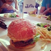 Photo taken at Jaspa's by Juju B. on 7/5/2014