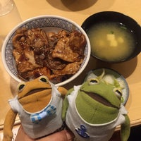 Photo taken at 豚丼 まむろ by がまくん on 8/10/2016