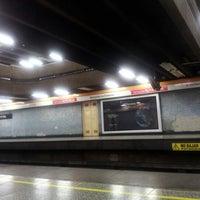 Photo taken at Metro Lo Vial by Batubn on 11/18/2012