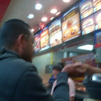 Photo taken at Burger King by Yanny T. on 2/17/2013