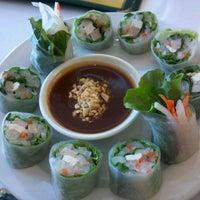 Photo taken at Loving Hut Vegan Cuisine by 캐쉬 문. on 12/21/2011