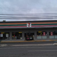 Photo taken at 7-Eleven by Carlo on 8/8/2013