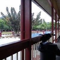 Photo taken at Kesedar Inn Gua Musang (Penginapan) by ibnzakuan on 7/7/2013