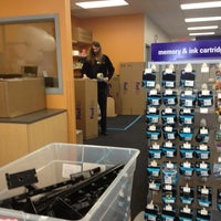 Photo taken at FedEx Office Print & Ship Center by sutah r. on 4/2/2013