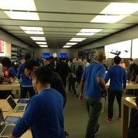 Photo taken at Apple Store, Houston Galleria by Jason P. on 3/3/2013