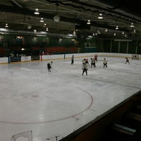 Photo taken at Oxford Ice Rink by Hugo P. on 4/13/2013