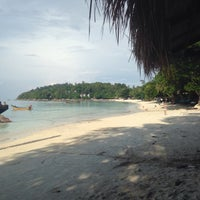 Photo taken at Green View Beach Resort by Nuur R. on 10/23/2014