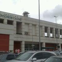 Photo taken at Shopping Poços de Caldas by Aduílio S. on 1/26/2013