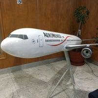Photo taken at Oficinas Corporativas Aeroméxico by Mario F. on 10/20/2016