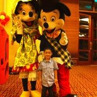 Photo taken at Grand Mutiara Ballroom Ritz Carlton by Adhi R. on 8/11/2013