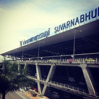 Photo taken at Suvarnabhumi Airport (BKK) by Piyapong N. on 7/13/2013