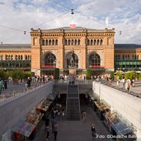 Photo taken at Hannover Hauptbahnhof by Deutsche Bahn on 2/1/2013
