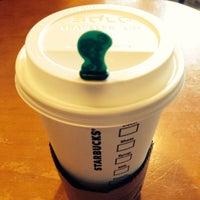 Photo taken at Starbucks by Jepoi C. on 10/20/2013