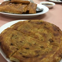 Photo taken at Szechuan Noodle Bowl by James N. on 4/27/2014
