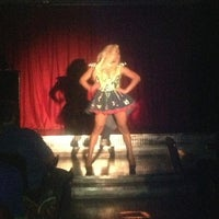 Photo taken at FLIXX Lounge & Cabaret Show Bar by Shilo J. on 4/6/2013