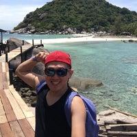 Photo taken at Koh Nang Yuan Dive Resort by Yulianto Oen Wheatley &. on 6/3/2016