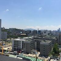 Photo taken at Yonsei University Cafe Tresbien by Sungho J. on 5/20/2015
