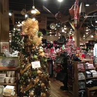 Photo taken at Cracker Barrel Old Country Store by Jim A. on 11/11/2012