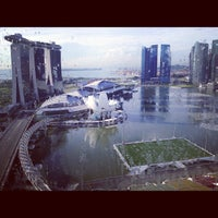 Photo taken at The Ritz-Carlton Millenia Singapore by Voraniya T. on 12/20/2012