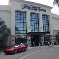 Saks Fifth Avenue Department Store In Palm Beach Gardens
