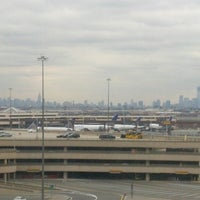 Photo taken at Newark Liberty International Airport Marriott by Enrique D. on 10/31/2012