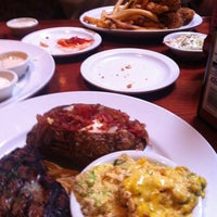 Photo taken at Cheddar's Scratch Kitchen by Lisa S. on 9/16/2013